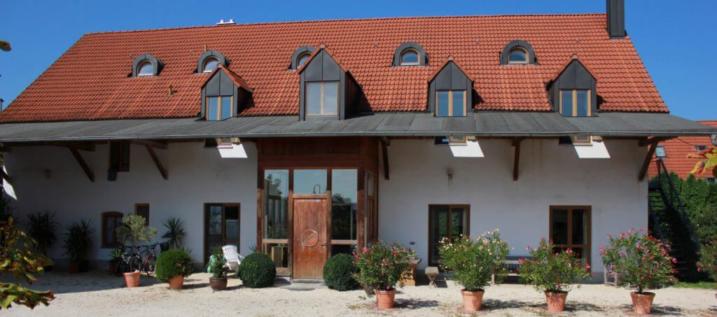 Seminarhaus Hof Integra - Hausansicht von außen